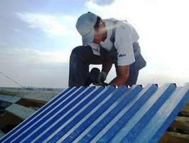 Как правильно класть профлист на крышу