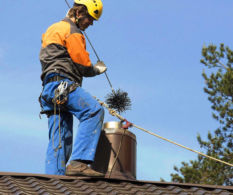Как быстро прочистить дымоход от сажи народными средствами
