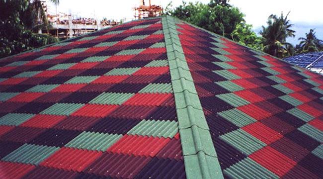 Крыша из разноцветного ондулина
