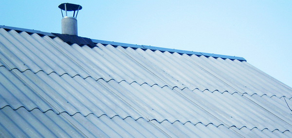 Стандартный шифер на крыше