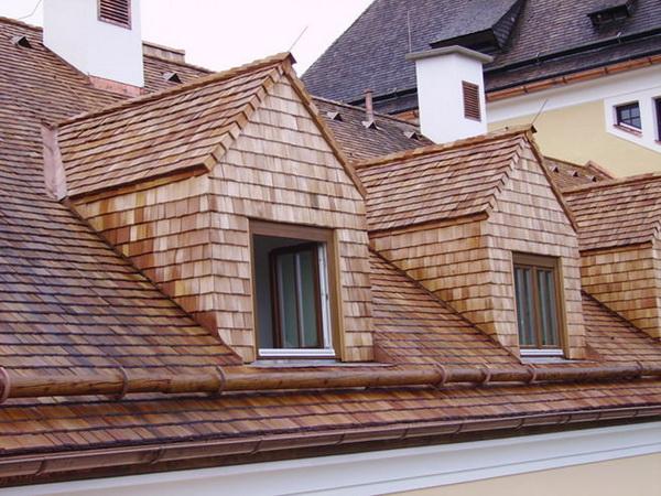 Деревянная черепица-дранка на крыше