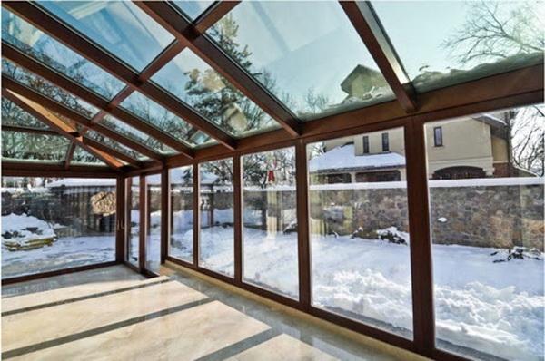 Стеклянная терраса с электроподогревом зимой