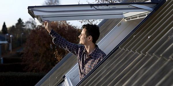 Мансардное окно-люк для крыши