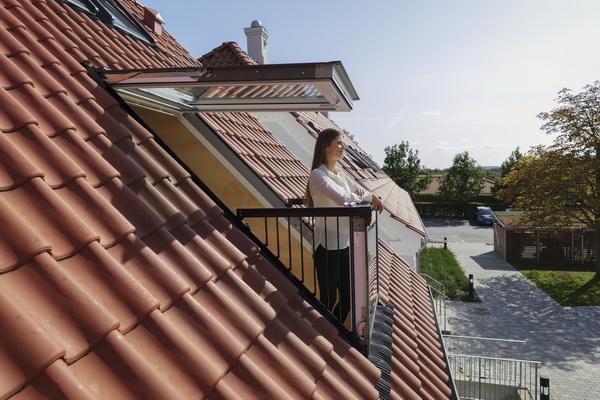 Окно-балкон на крыше