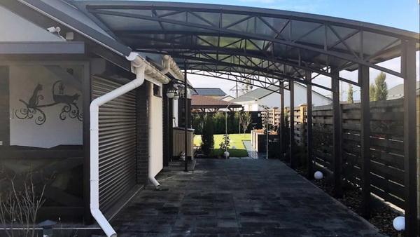 Арочная крыша пристройка