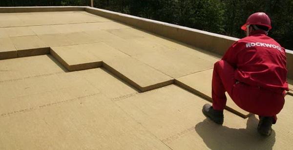 Укладка утеплителя под наплавляемую крышу
