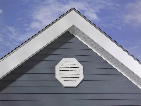 Слуховое окно на фронтоне