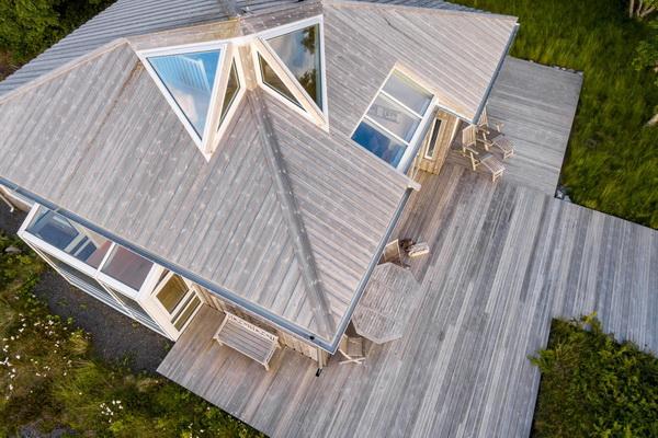 Крыша из досок оригинальная и красивая