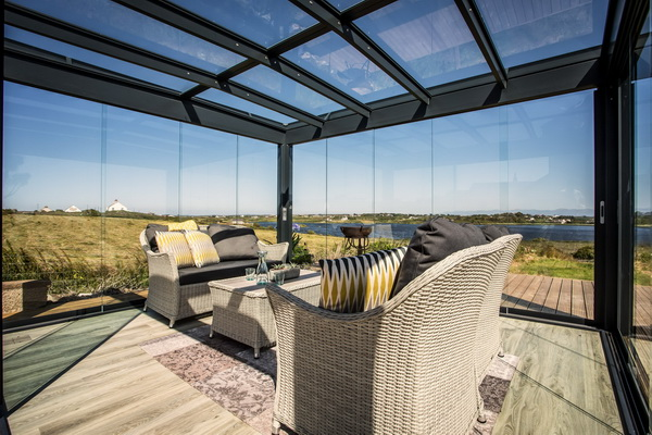 Прозрачная крыша веранды из прозрачного материала