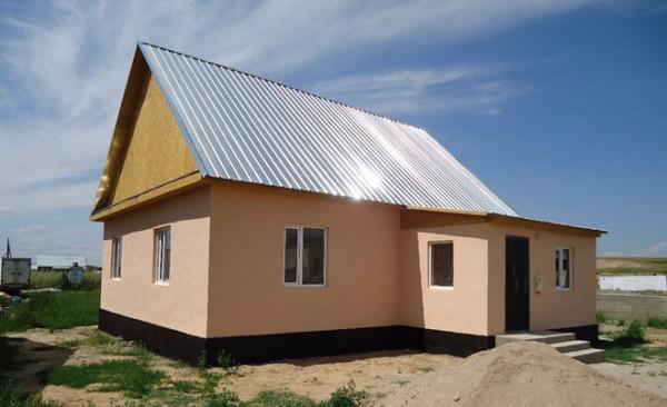 Крыша из оцинкованного профнастила