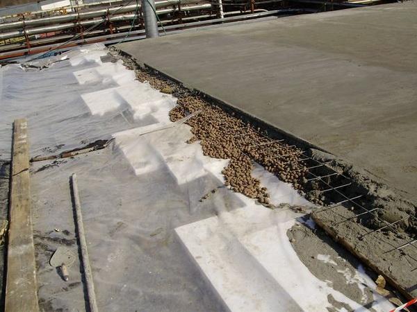 Заливка легкого бетона