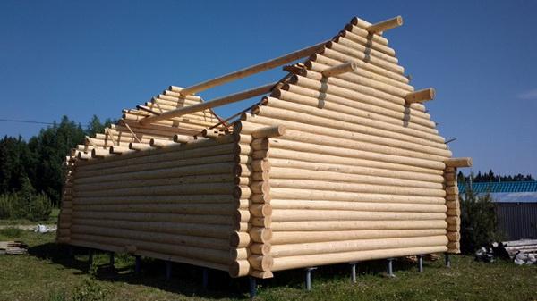 Самцовые фронтоны деревянных домов